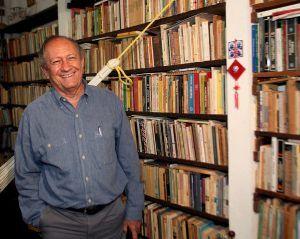 Gustavo Pereira Poeta De Somaris Y Servicio Papel Diario